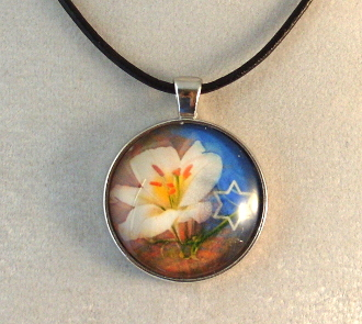 Glass Pendant - White Flower with Star of David